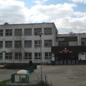 Zespół Szkół nr 3 przy ul. Szkockiej 64 we Wrocławiu [remont] 422773