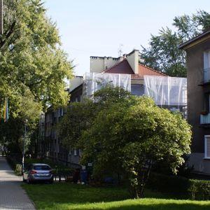 [Kraków] Budynek Mieszkalny, Os. Krakowiaków 10 445567