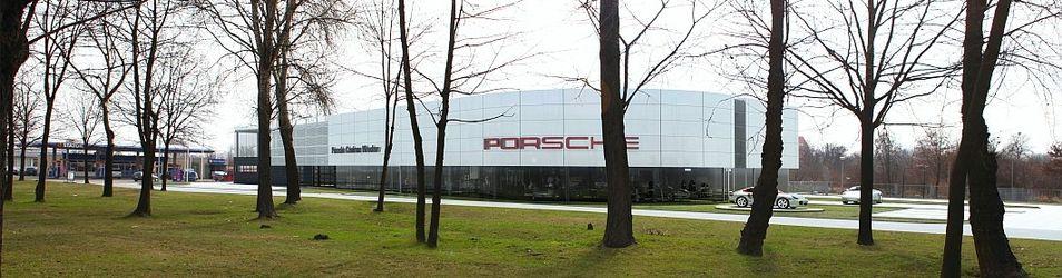 """[Wrocław] Salon samochodowy """"Porsche Centrum Wrocław"""" 56194"""