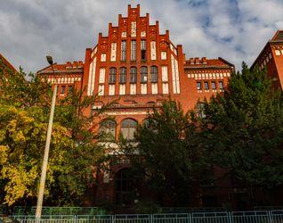 Przedszkole, szkoła podstawowa i liceum, ul. Łowiecka  441220