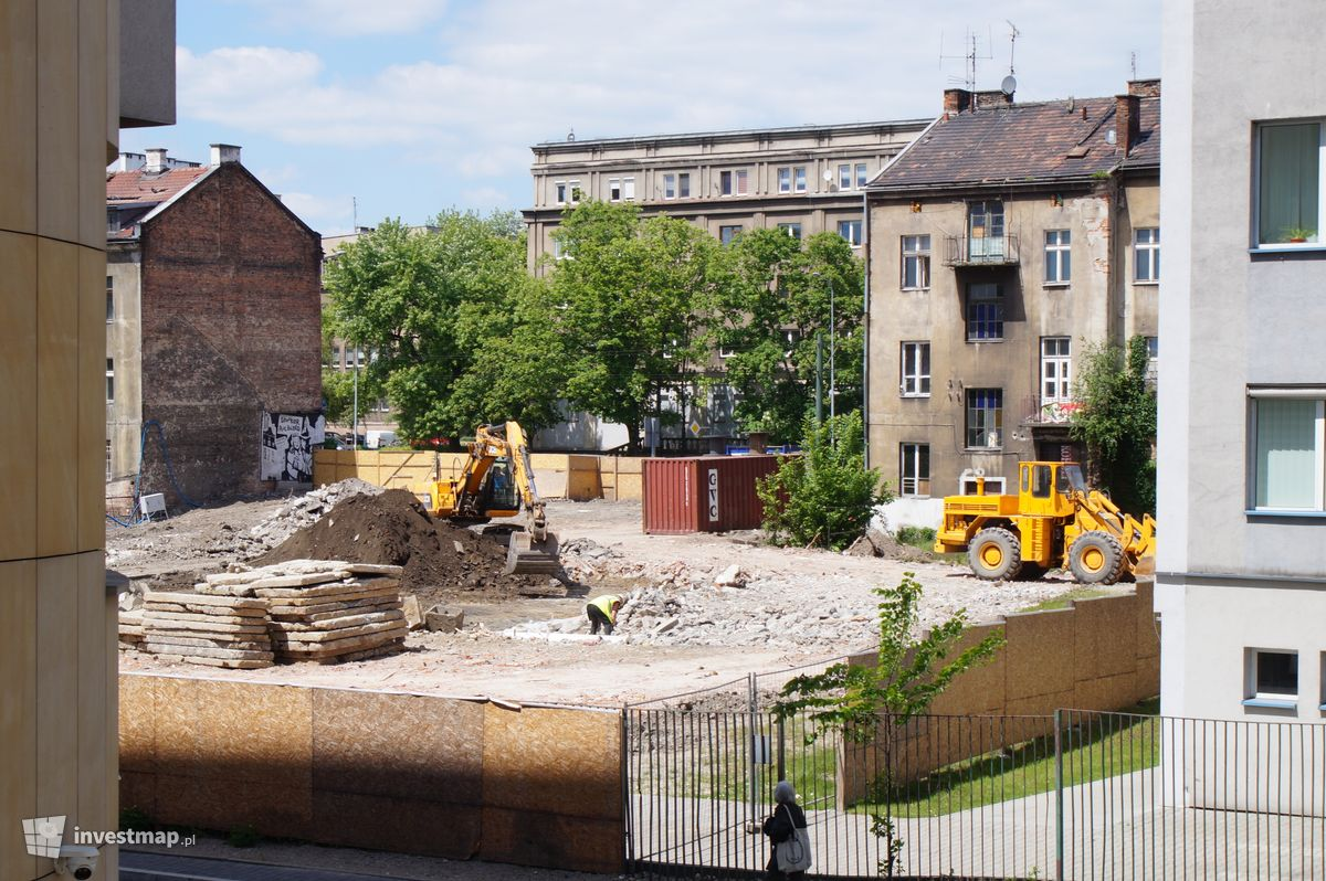 Zdjęcie Biurowiec, ul. Mogilska 35 fot. Damian Daraż