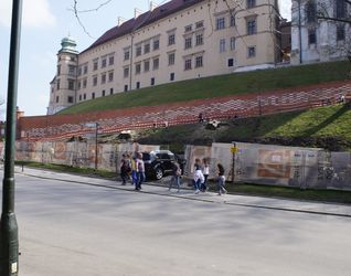 [Kraków] Mur Forteczny Wzgórza Wawelskiego - Remont 421004