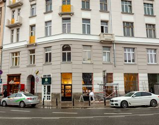 [Warszawa] Remont kamienicy Mokotowska 45 (kamienica Khnotego) 402575