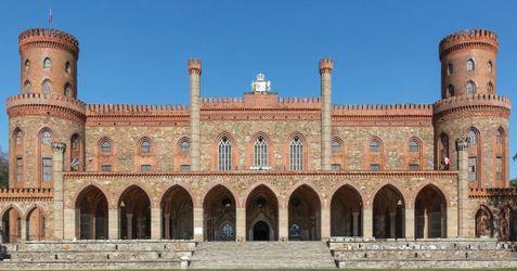 [Kamieniec Ząbkowicki] Pałac księżnej Marianny Orańskiej 490139
