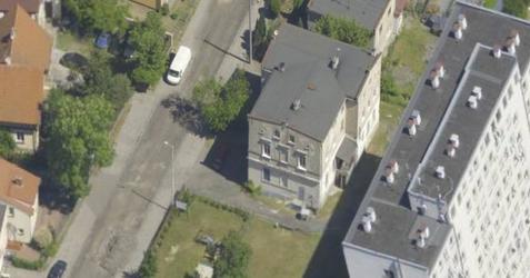Budynek mieszkalno-usługowy, ul. Leopolda Okulickiego 384159