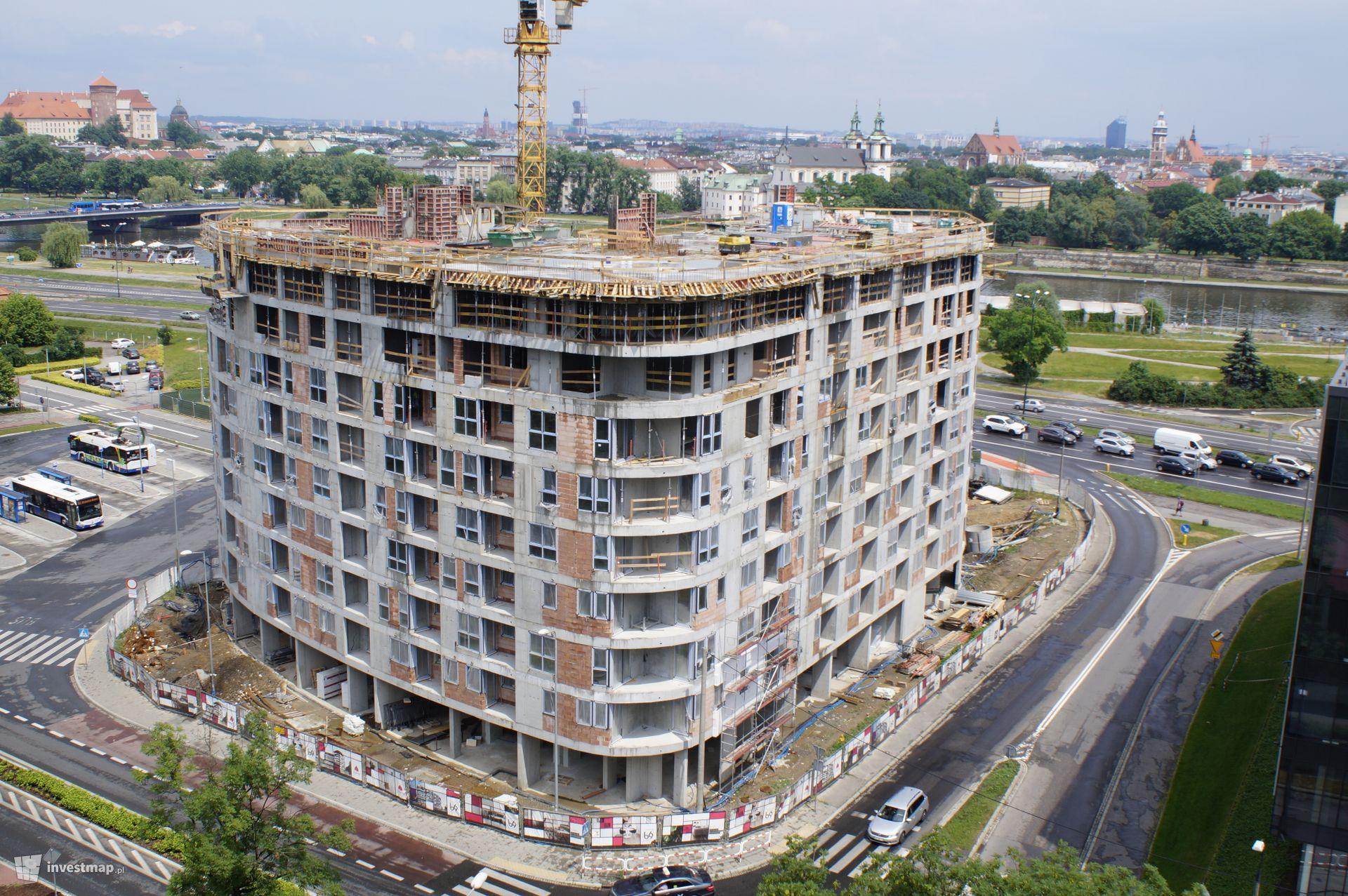Apartamentowiec Barska 69