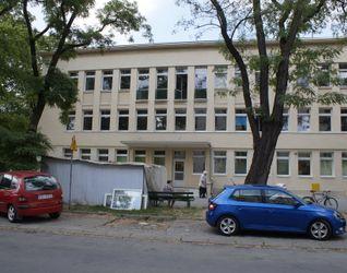 [Kraków] Przychodnia Lekarska, os. Urocze 2 434357