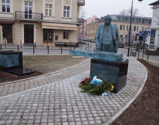 [Kraków] Pomnik Juliusza Lea 370195