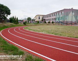 Boisko sportowe przy Szkole Podstawowej nr 1 w Twardogórze 466117
