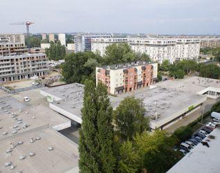 [Kraków] Pawilon Handlowy, os. 2 Pułku Lotniczego 1 437193