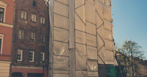 Remont i przebudowa budynku mieszkalnego przy placu Uniwersyteckim 7 326623