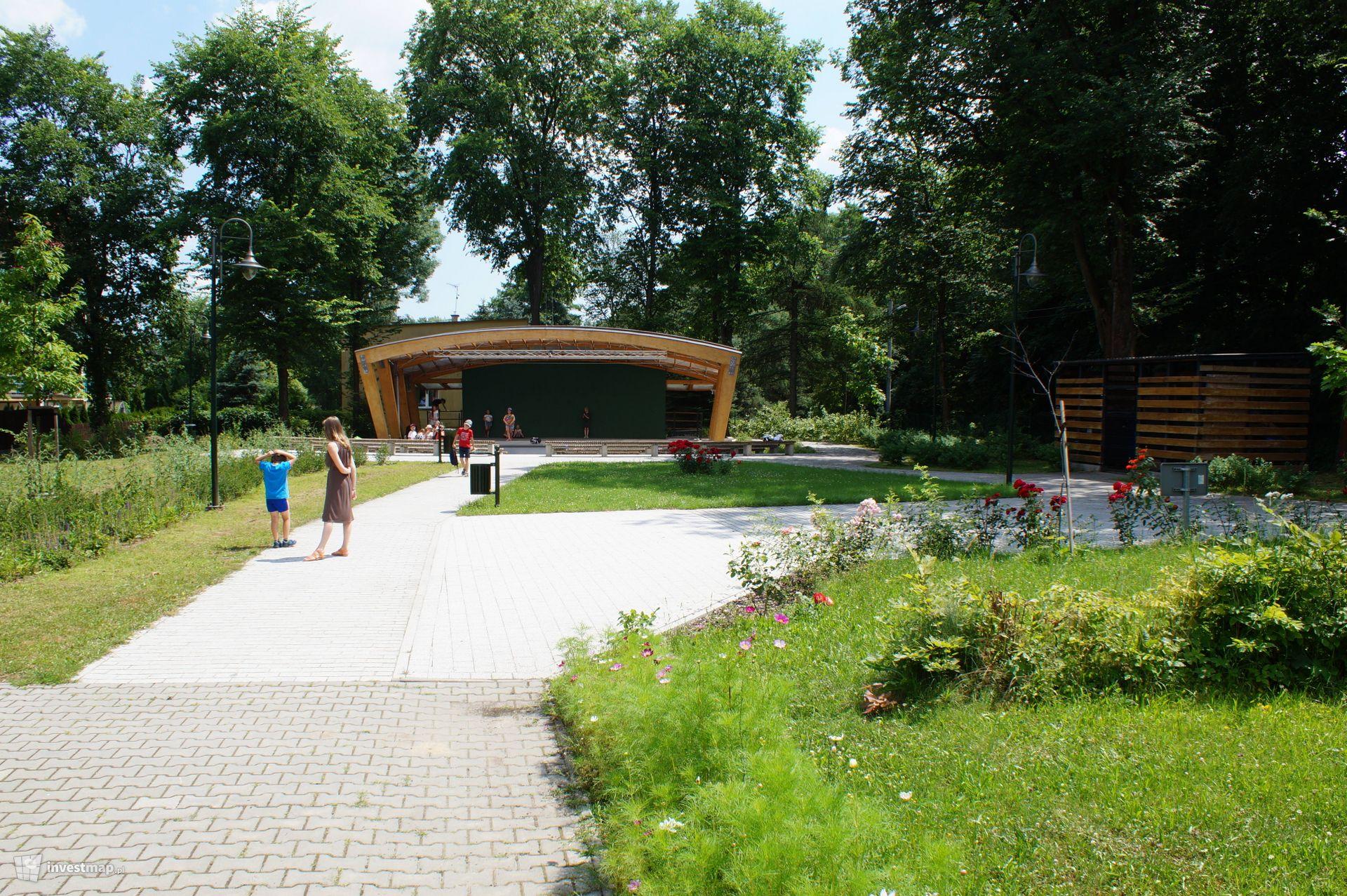 Amfiteatr, ul. Na Wrzosach 57