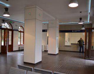 [Brzeg Dolny] Dworzec PKP (modernizacja) 123632