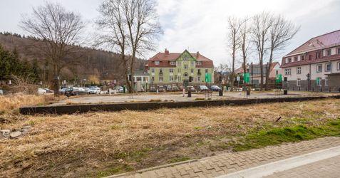Działka róg Dąbrowskiego i Bystrzyckiej 468761
