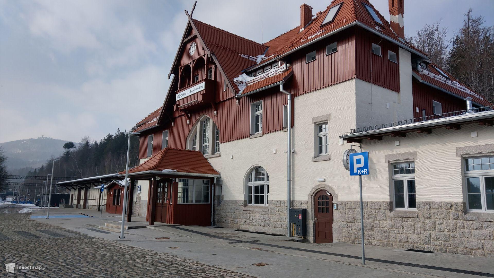 Dworzec kolejowy w Szklarskiej Porębie Górnej