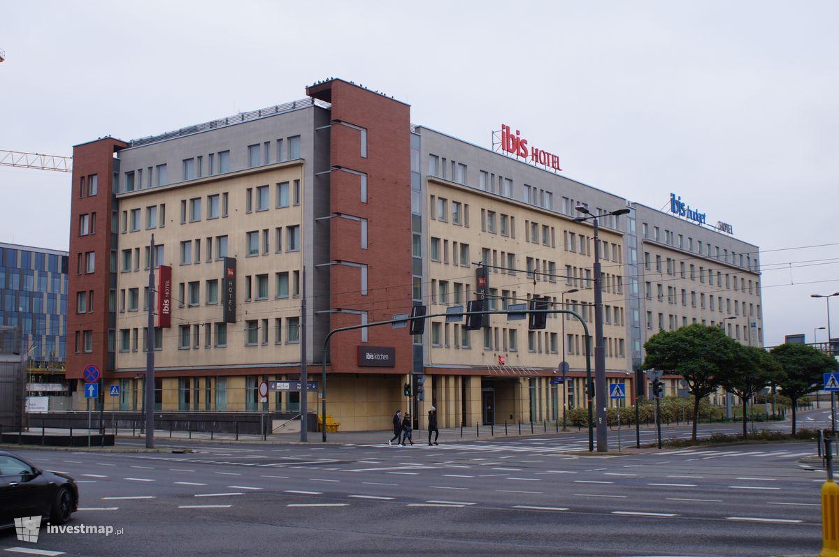 Zdjęcie Hotele Ibis, ul. Pawia fot. Damian Daraż