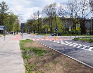 [Kraków] Ulica Bulwarowa, (remont chodnika) 474941