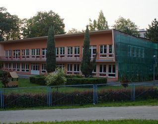 [Kraków] Przedszkole, ul. Jarzębiny (Remont) 383044