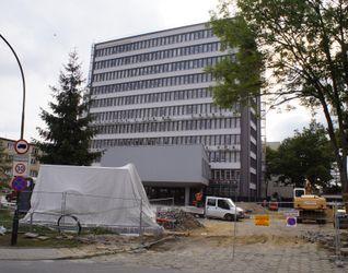 [Kraków] Biurowiec, ul. Mogilska 25 440132