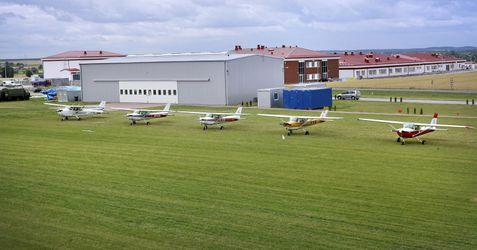 [Chełm] Lotnisko szkoleniowe Państwowej Wyższej Szkoły Zawodowej (inwestycje) 406368