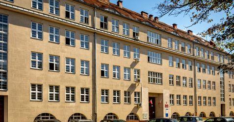 Filia Krajowej Szkoły Skarbowości (Urząd Skarbowy Wrocław-Krzyki) 392545