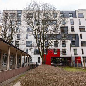 [Warszawa] Budynek mieszkalny Jedwabnicza 413794