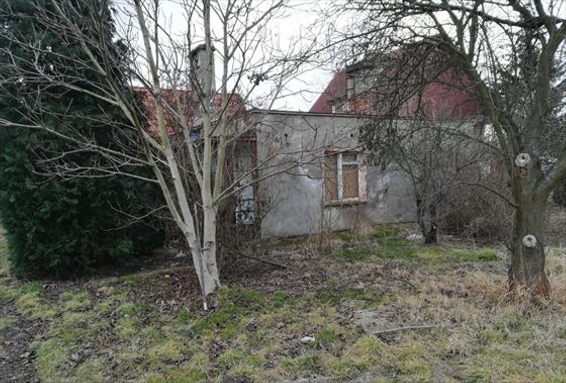 Wrocław: Zniknie dom, powstanie osiedle? Miasto sprzedało teren na Wojnowie