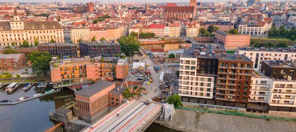 W centrum Wrocławia trwa remont zabytkowych mostów Pomorskich [FILM + ZDJĘCIA]