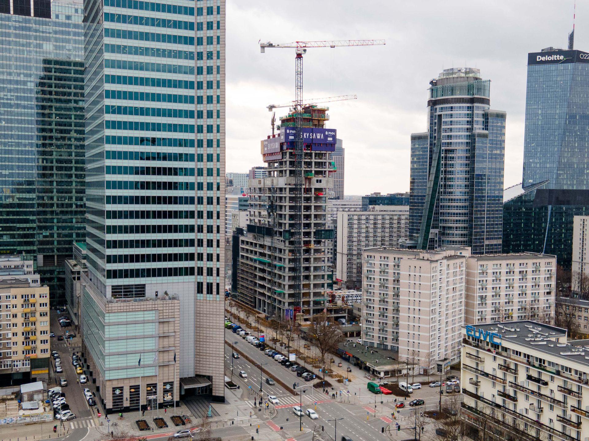 Przy ulicy Świętokrzyskiej rośnie 155-metrowa wieża Skysawa