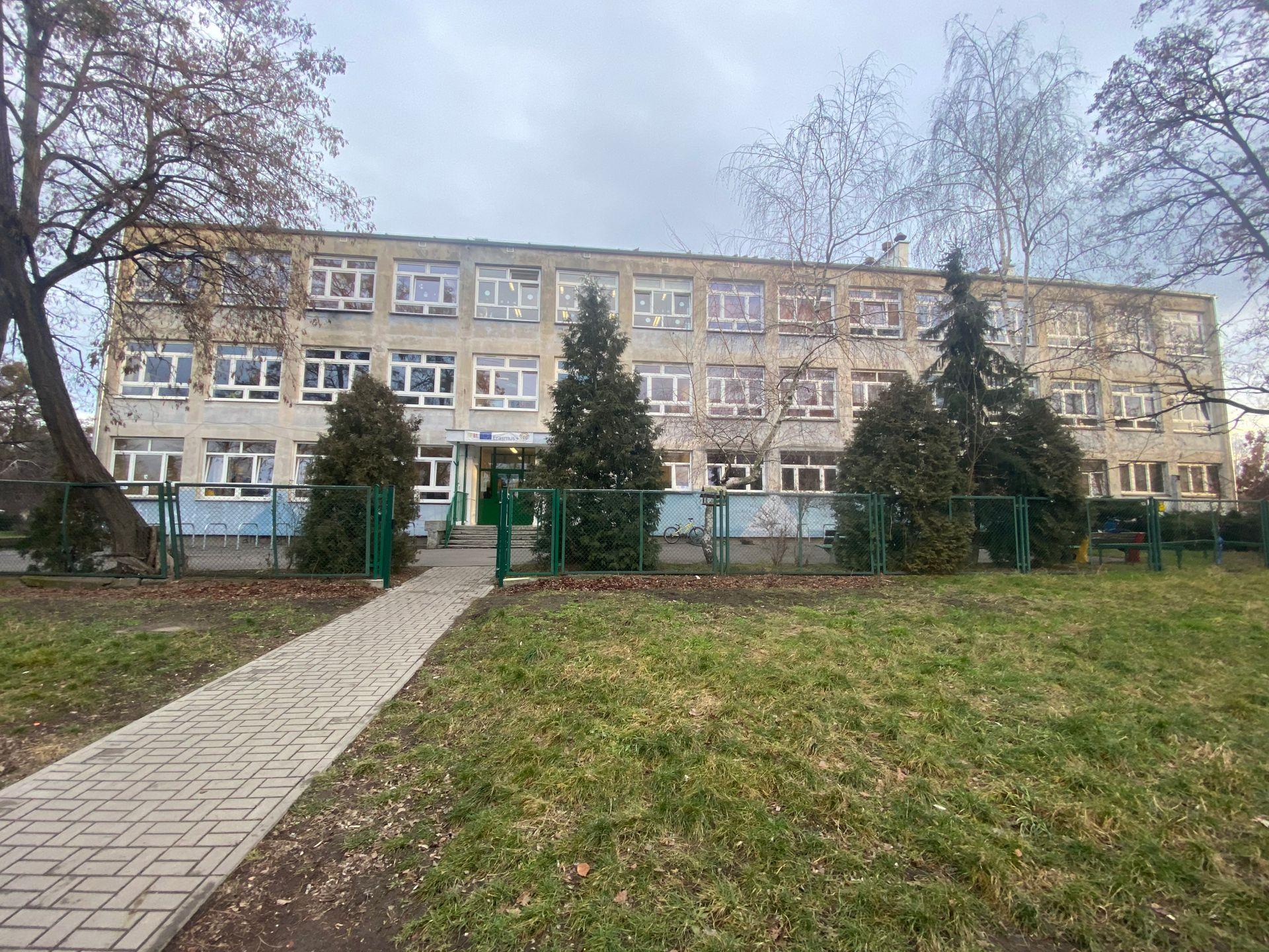 Wrocław: Przepełniona szkoła na Krzykach doczeka się rozbudowy