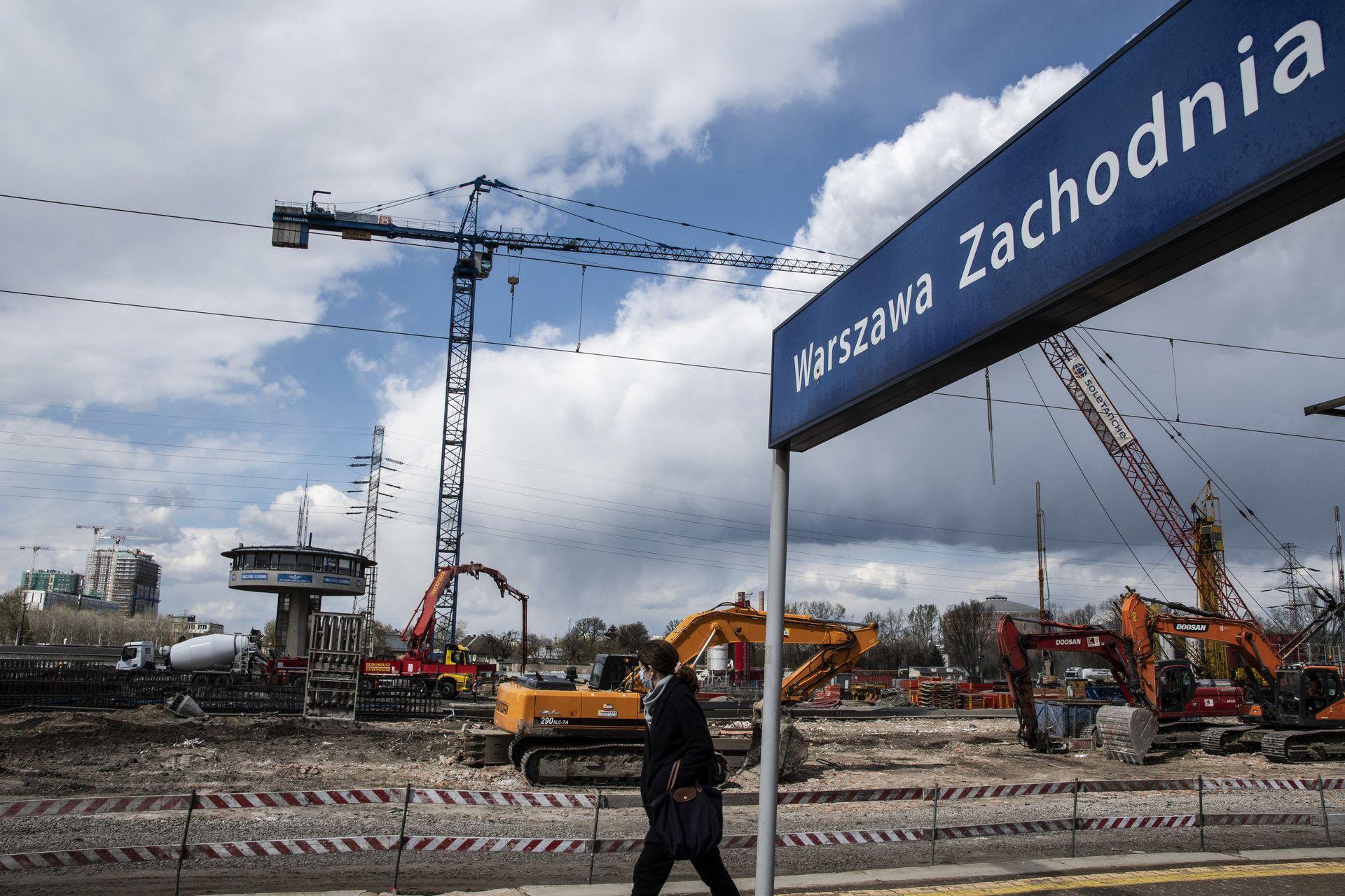 Trwają prace przy przebudowie stacji kolejowej Warszawa Zachodnia [FILM]