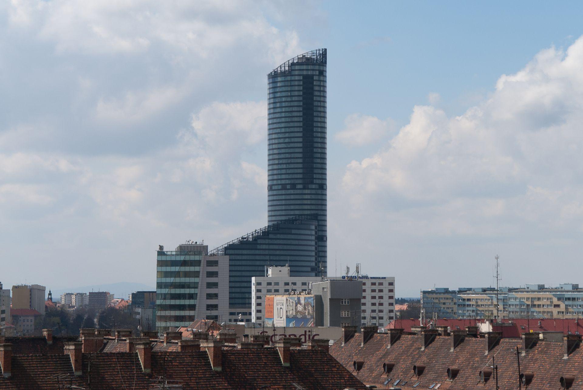 Wrocław: Piotr i Paweł zostaje w Sky Tower i Arkadach Wrocławskich