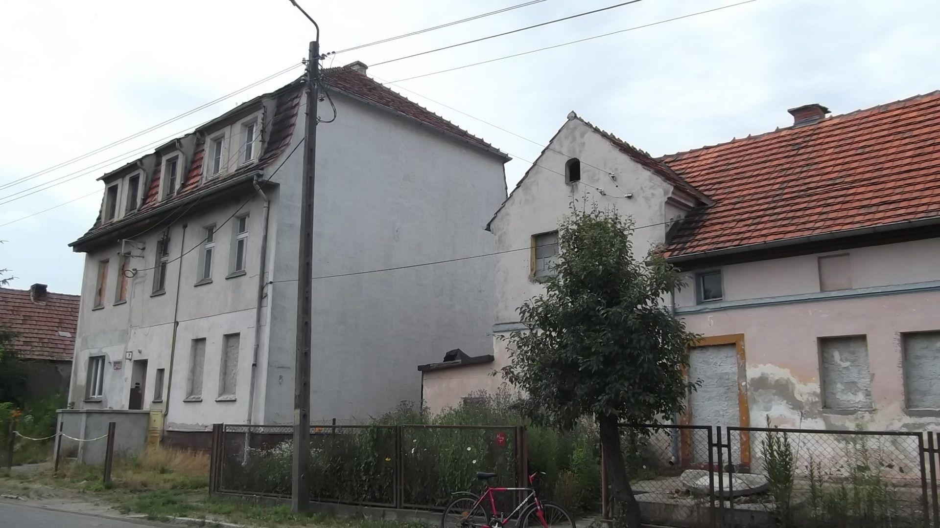 Wrocław: Miasto sprzeda zabytkowe budynki w Ratyniu nad Bystrzycą