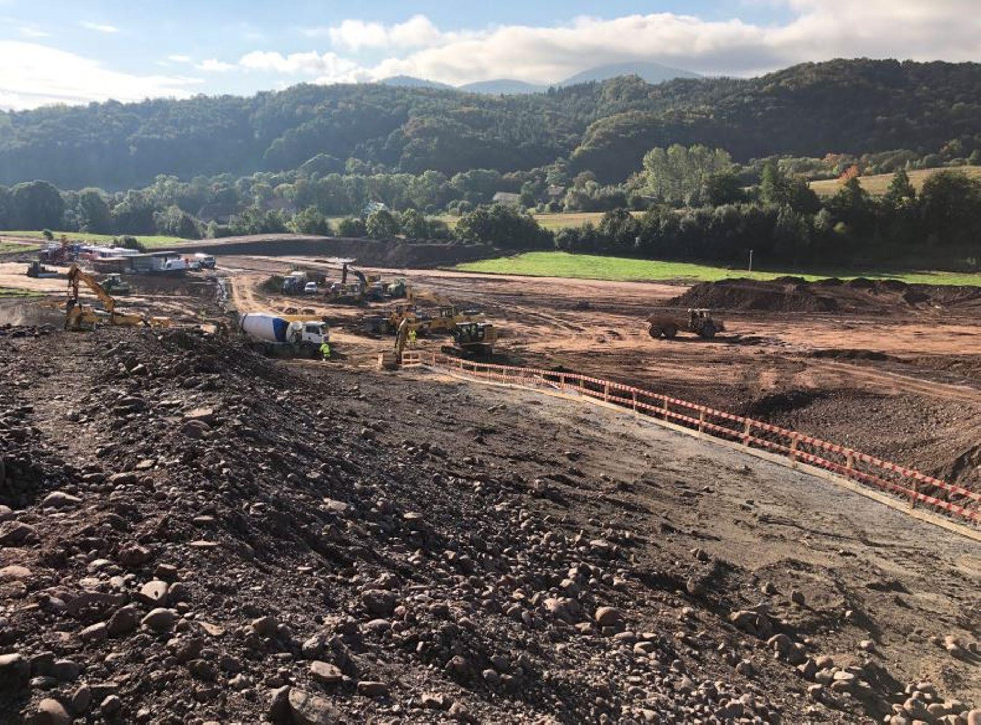 Trwa budowa drogi ekspresowej S3 na odcinku Bolków-Kamienna Góra. Rozpocznie się wiercenie tunelu