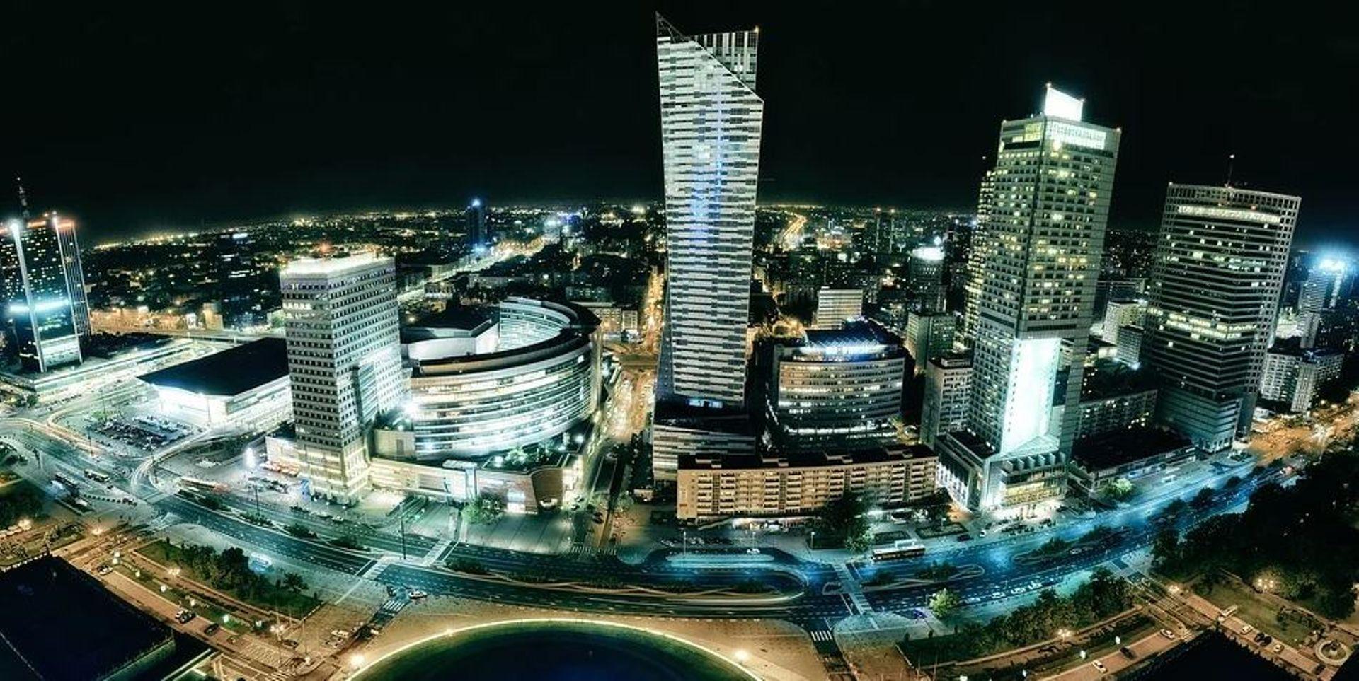 W największych miastach możemy obserwować realizację spektakularnych projektów biurowych