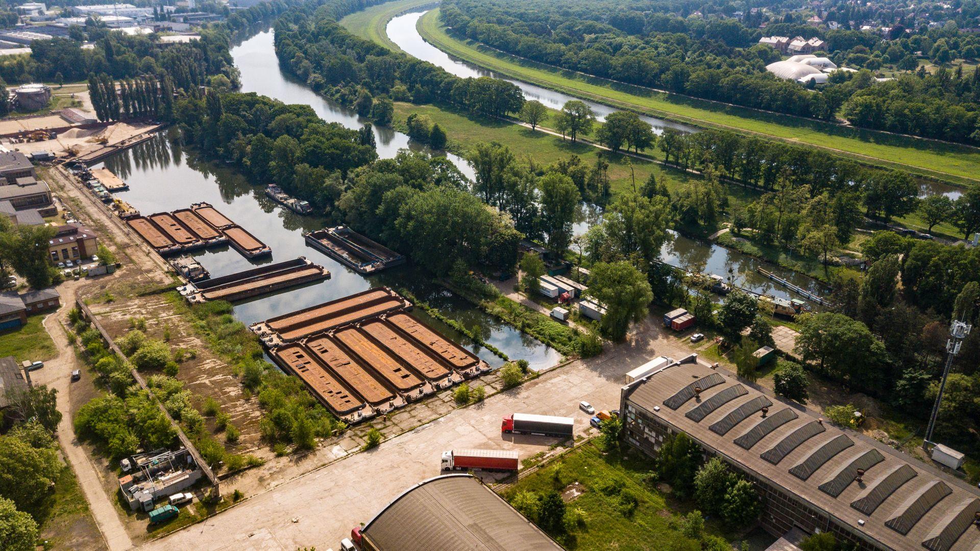 Wrocław: Chcą zasypać basen i zabudować dawną, zabytkową stocznię