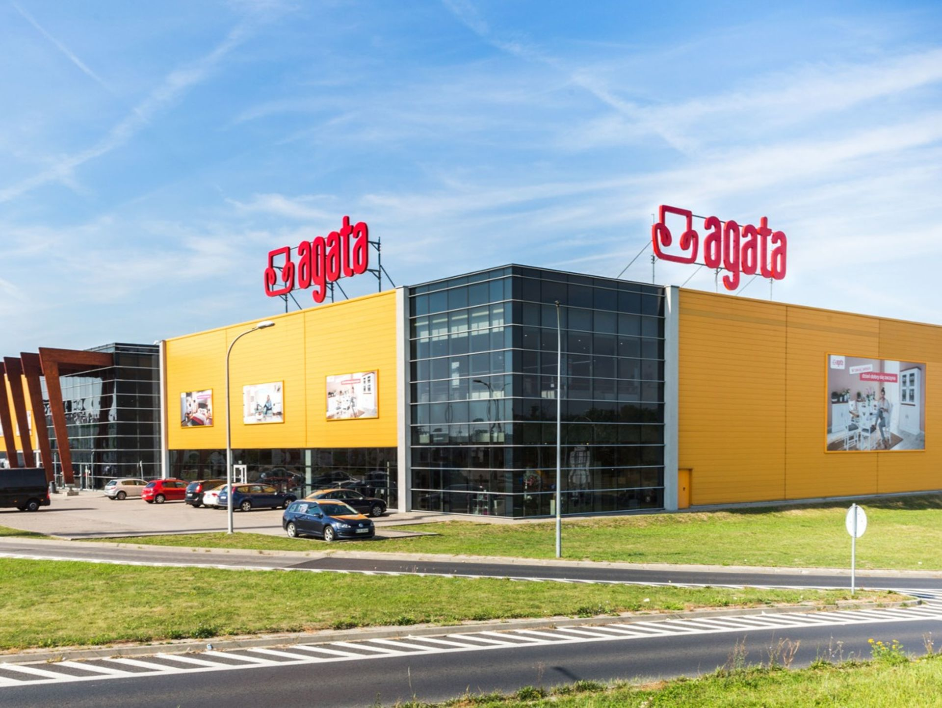 Wrocław: Agata rozpoczęła przygotowania do budowy salonu meblowego na Poświętnem