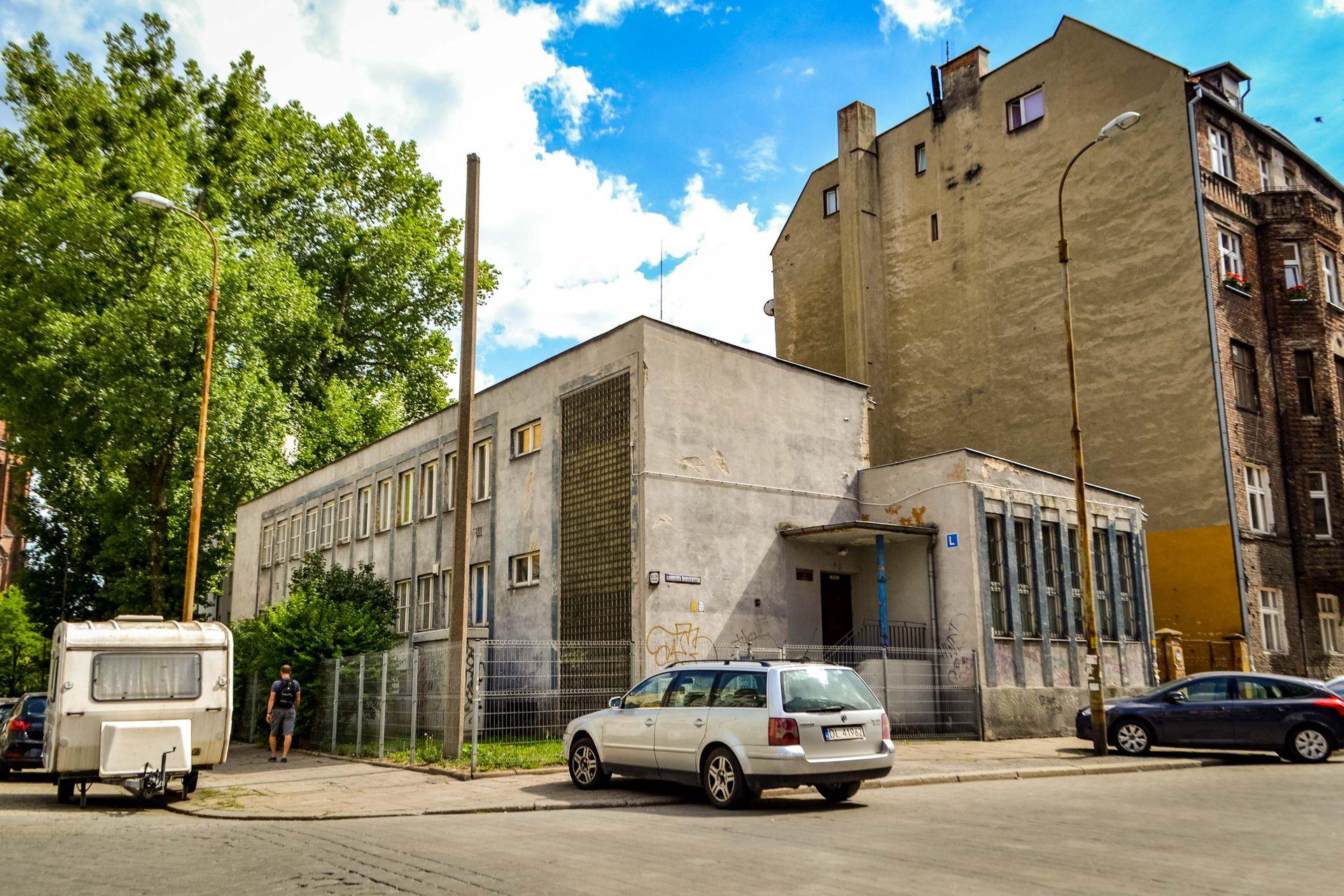 Wrocław: Deweloperzy zainteresowani kupnem magazynu Ossolineum na Ołbinie