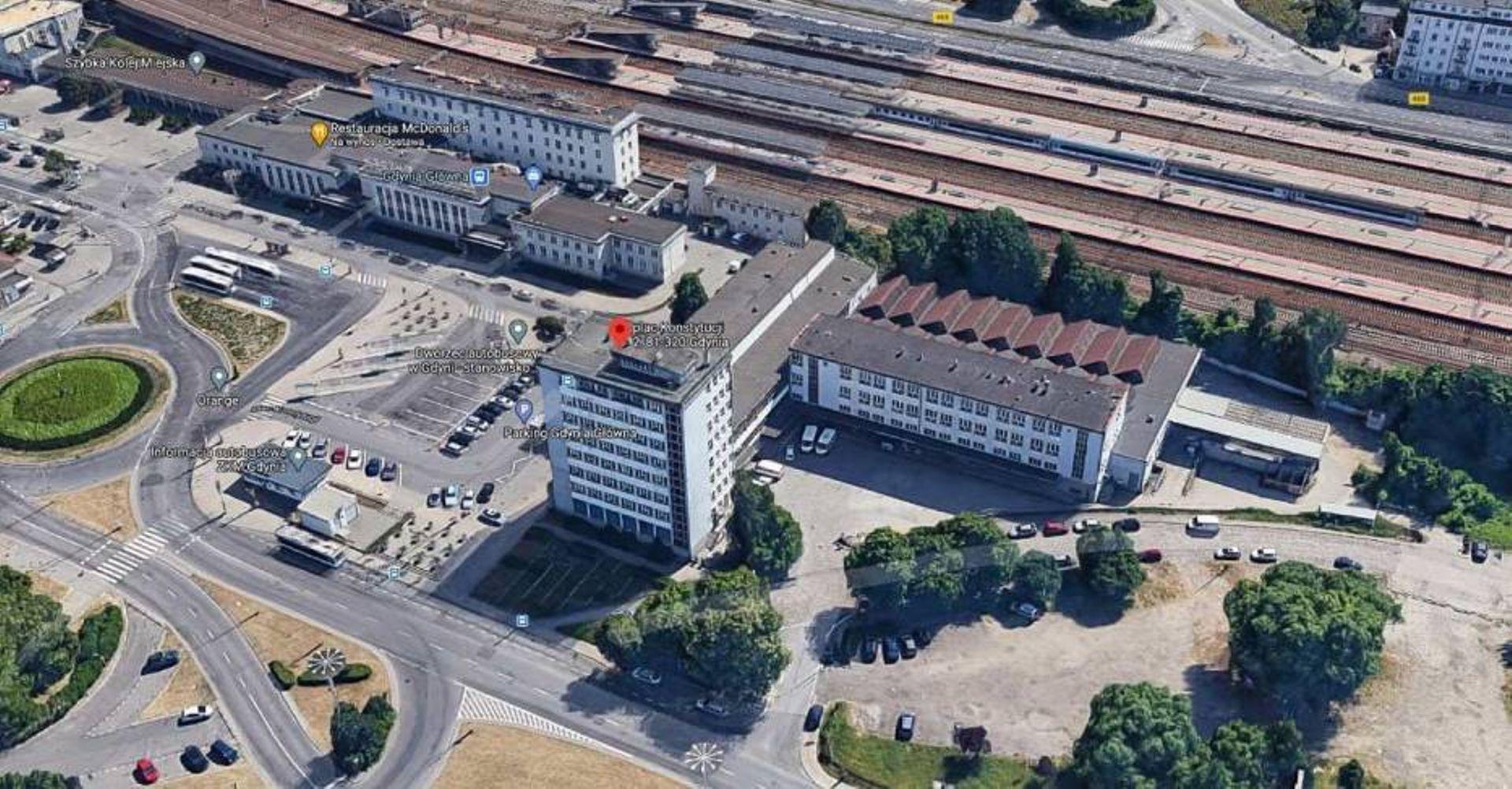 Poczta Polska wystawiła na sprzedaż biurowiec w centrum Gdyni