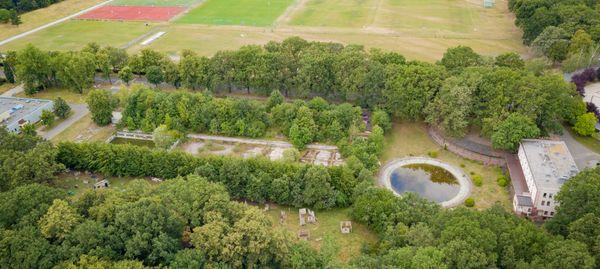 Wrocław: Co z dawnym Basenem Olimpijskim na Zalesiu? Dolnośląskie Inwestycje chciały budować 200-metrowe apartamenty