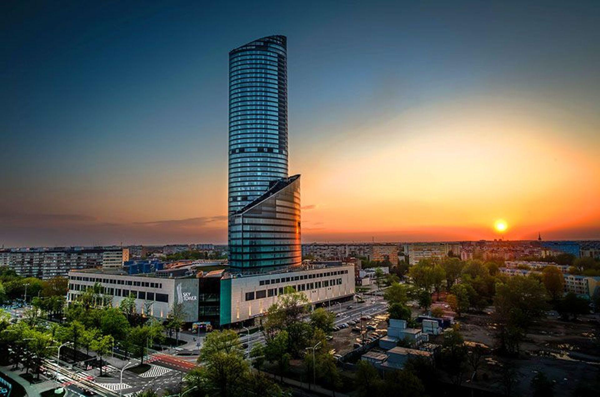 Sky Tower pójdzie na sprzedaż. Jest tańszy o ponad 150 milionów złotych