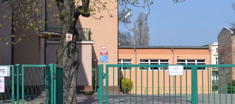 Szkoła pod domem
