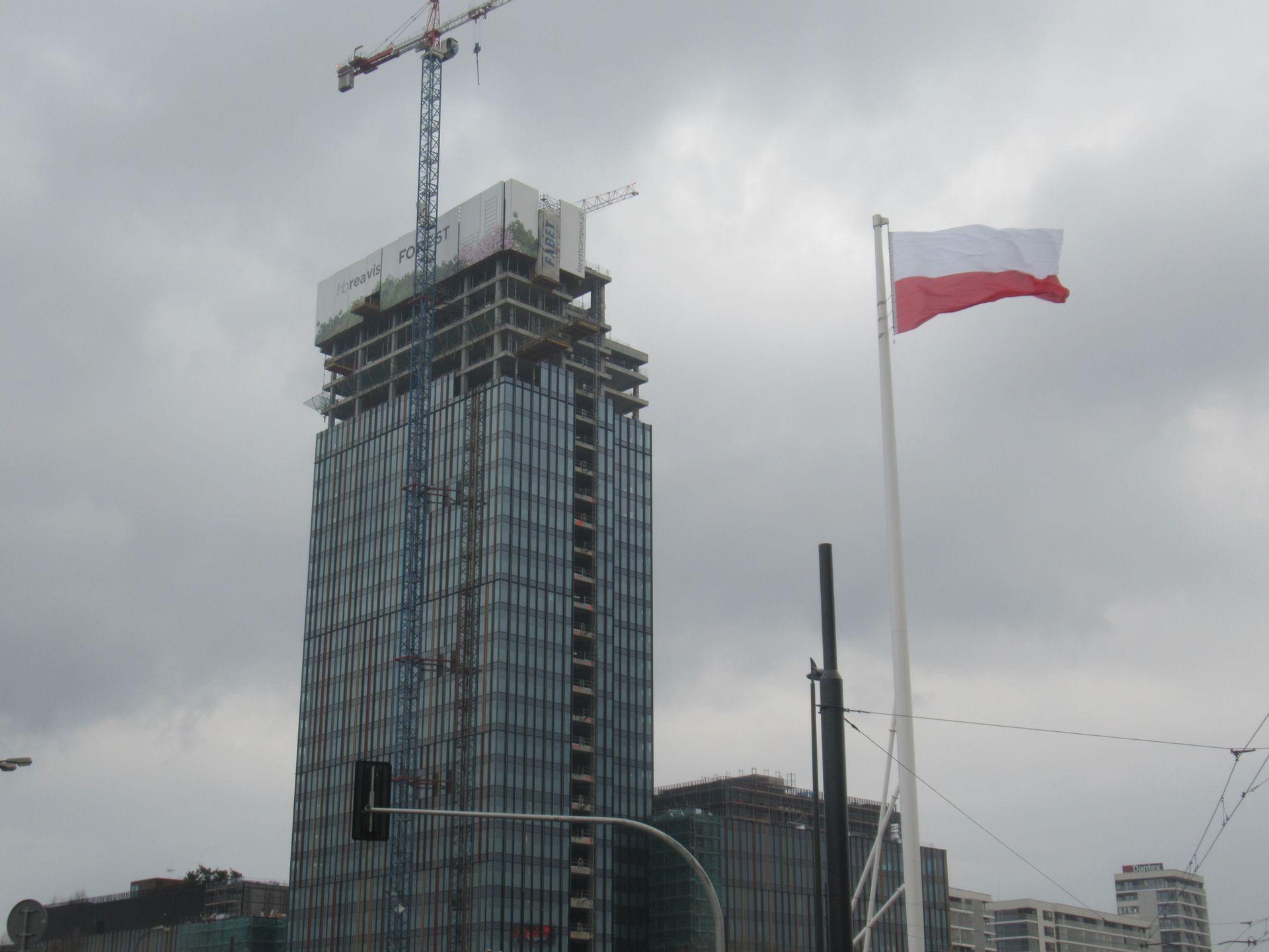 W Warszawie trwa budowa kompleksu biurowego Forest [FILM]