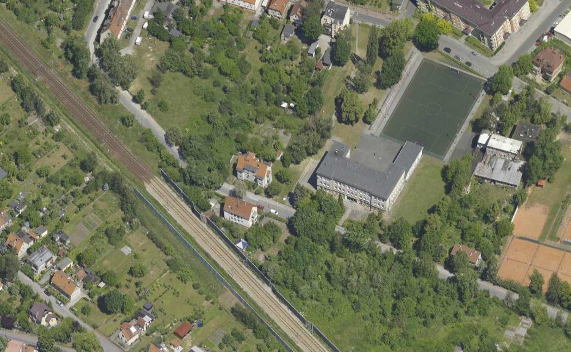 Wrocław: W Leśnicy powstanie market i osiedle willi miejskich? Miasto sprzeda działki