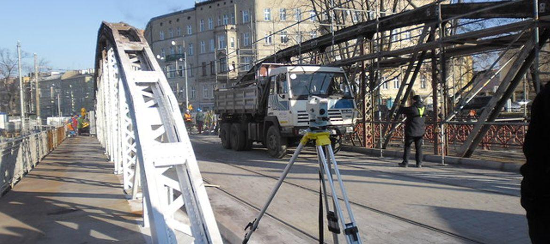 Remontowane mosty Młyńskie od