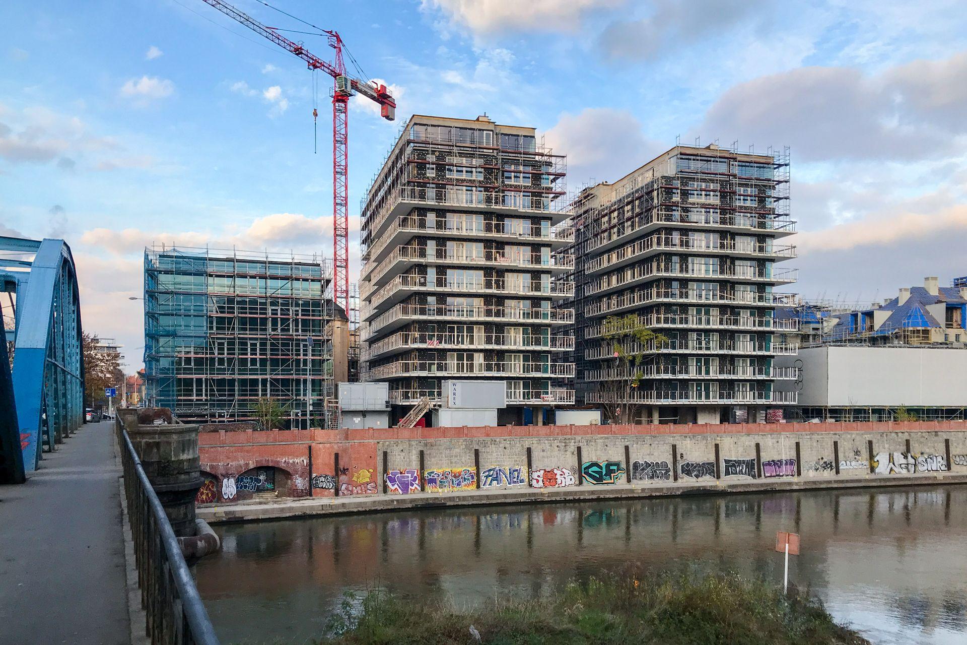 i2 Development buduje dwie wieże przy zabytkowym spichlerzu nad Odrą