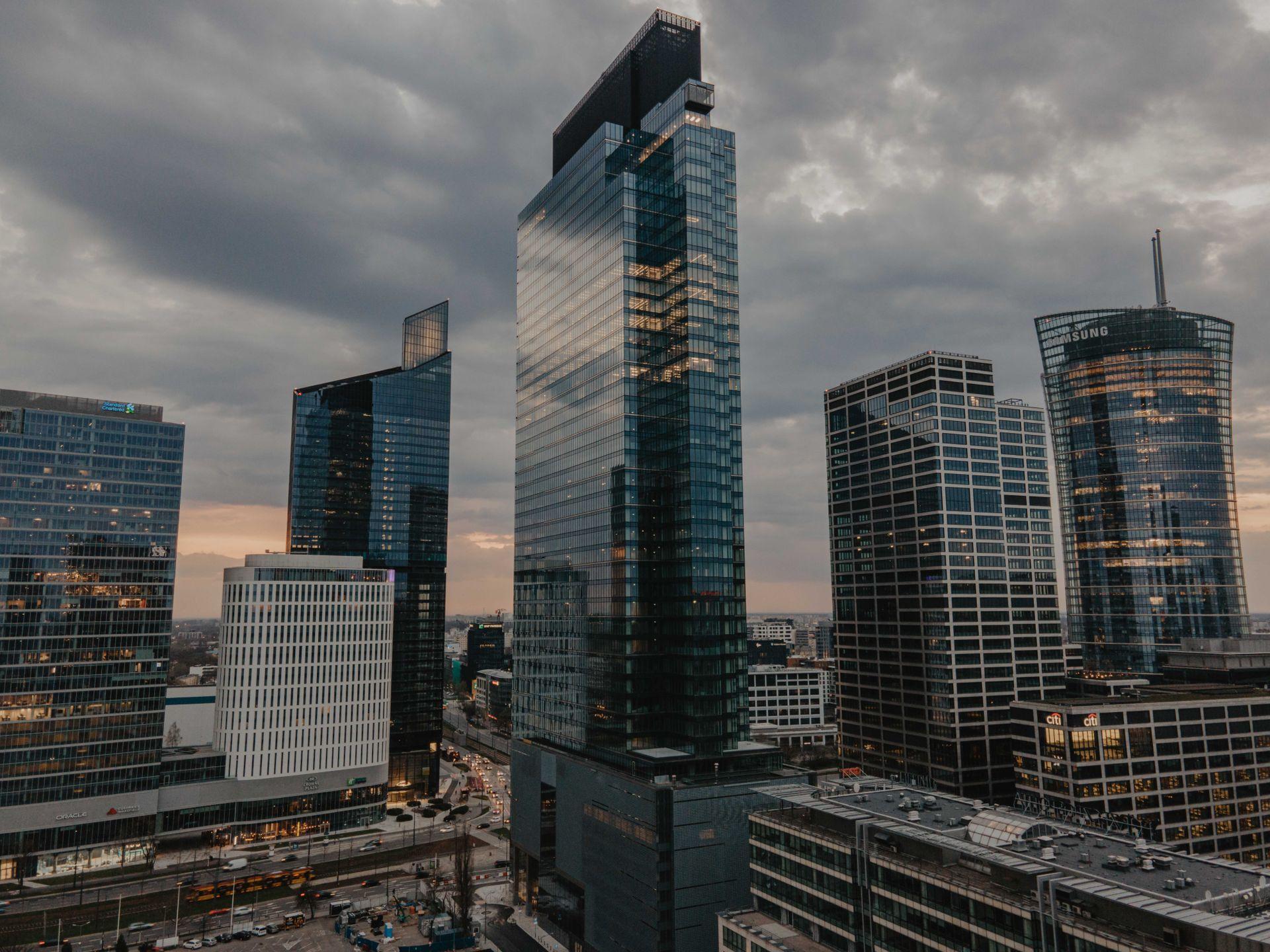 W Warszawie powstaje 202-metrowy wieżowiec Warsaw Unit [FILM]