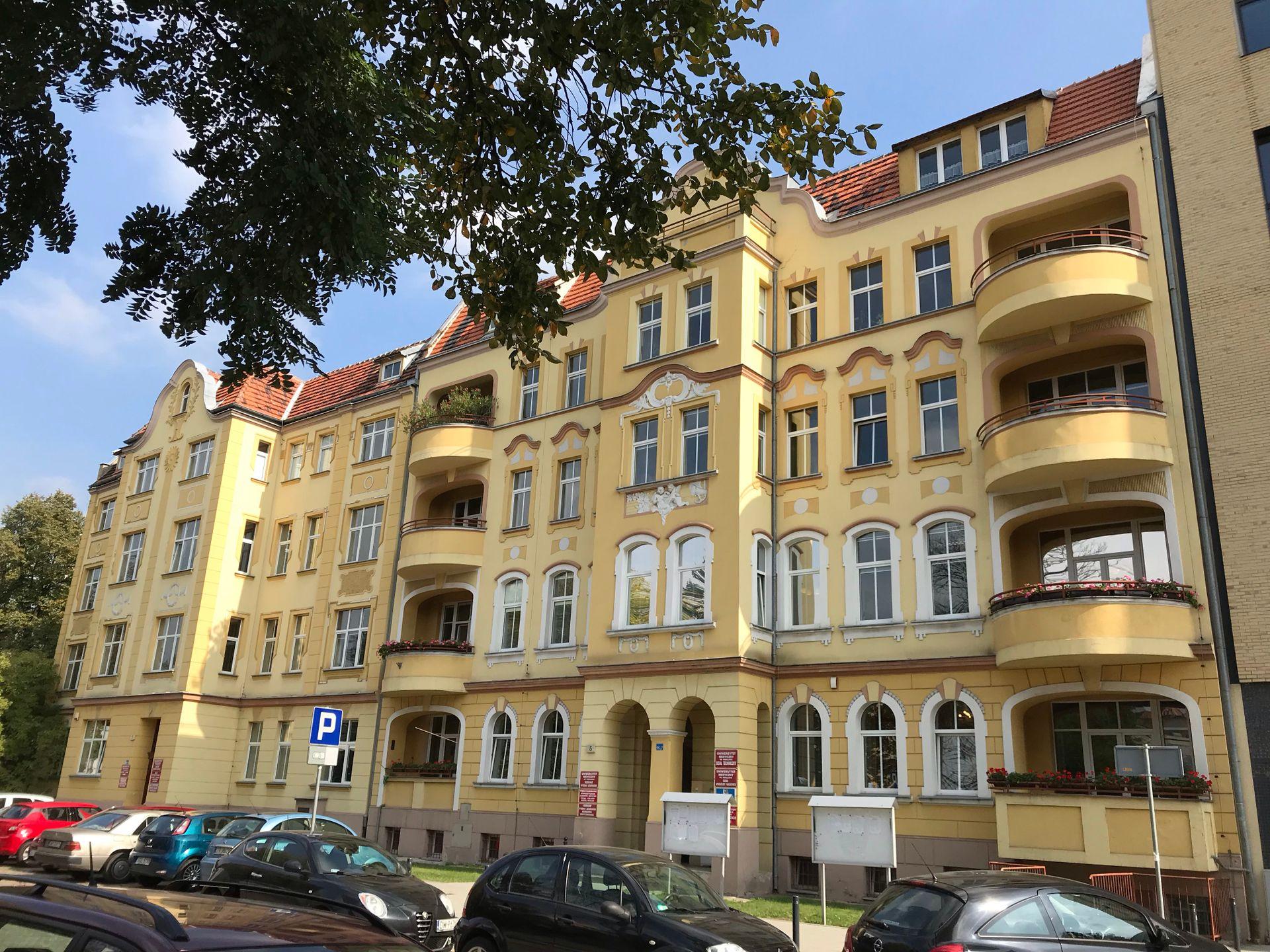 Wrocław: Uniwersytet Medyczny wyremontuje stuletnie kamienice na Placu Grunwaldzkim. Za kilkanaście milionów złotych