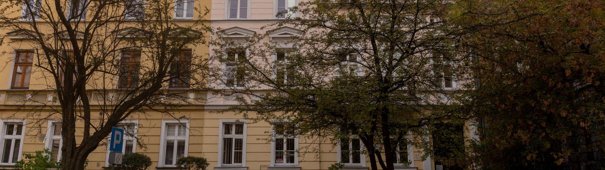 Wrocław: Władze województwa znów szukają kupca na zabytkową kamienicę na Ołbinie. Obniżka pomoże?