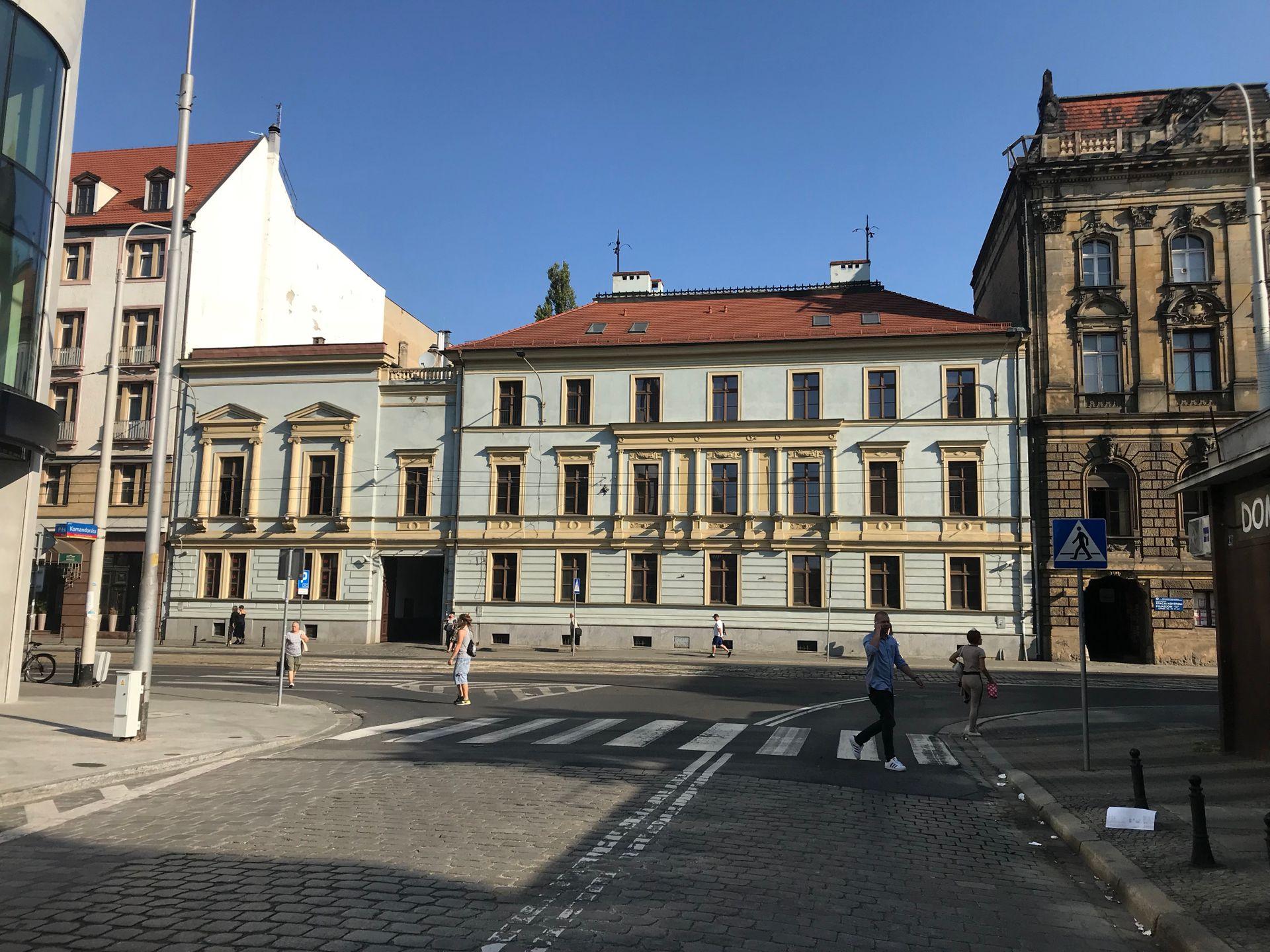 Wrocław: Teatr Capitol sprzedaje najstarszą, zabytkową kamienicę przy ulicy Piłsudskiego